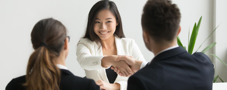 """Headerbild zum Interview """"Den passenden Arbeitgeber finden"""""""